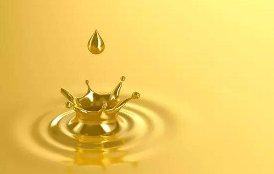 水在热油锅里为什么会爆炸?