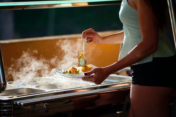 为什么吃饱饭人会觉得暖和_饭后发热的原