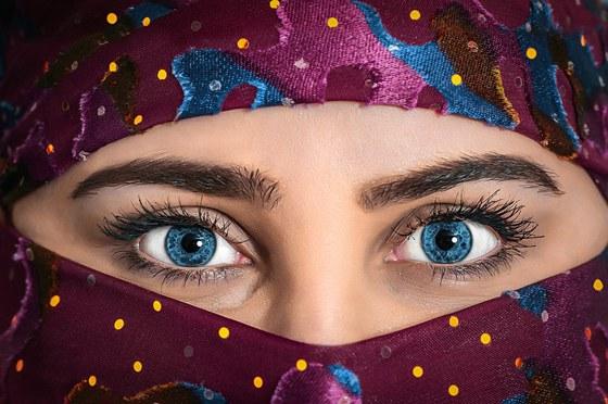 人的眼睛为什么长在脑袋前面?